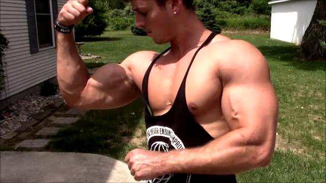 0332085b Zach Zeiler Outdoor Pump Up and Posing Update