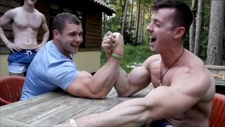 Zach Zeiler Arm Wrestles Featuring Big Connor, Supersaiyan Flex And Shane The Gain